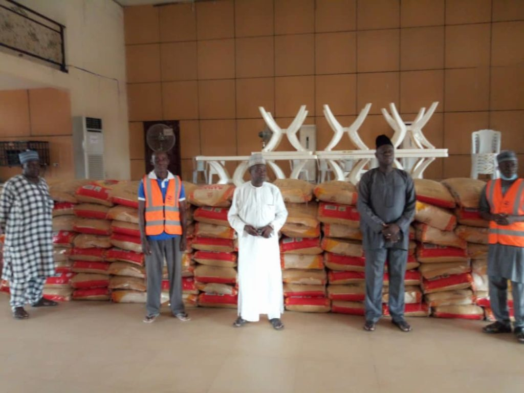 Mallam Saliu Mustapha Donates 100 bags of Rice to ODU